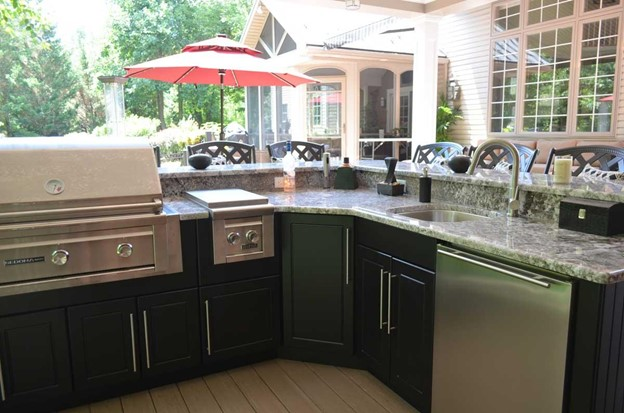 Enhancing Home Luxury with an Outdoor Kitchen